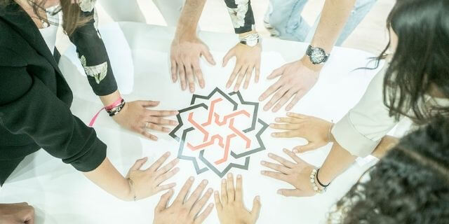 entrepreneurs dans un espace coworking